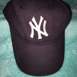 women's yankee hat